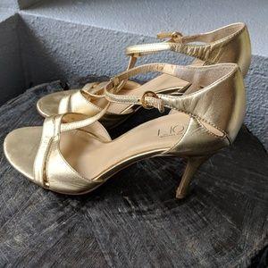 LOFT gold t-strap mid heeled sandals pumps sz 6